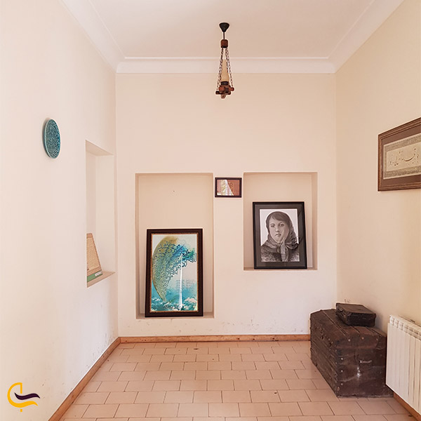 نمایی از فضای داخلی خانه پروین اعتصامیفضای داخلی خانه پروین اعتصامی