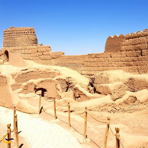 تصویری قلعه نارین مبید