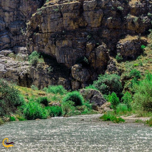 تصویری از طبیعت و رودخانه دره باغی ماکو