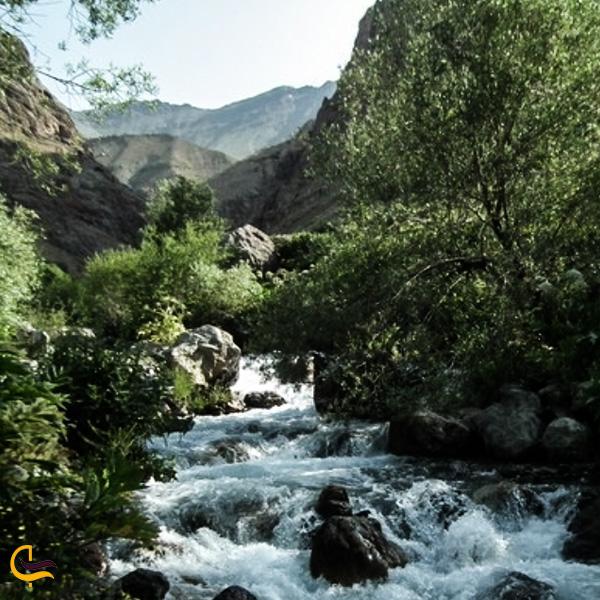 نمایی زا رودخانه زیبا فشم تهران