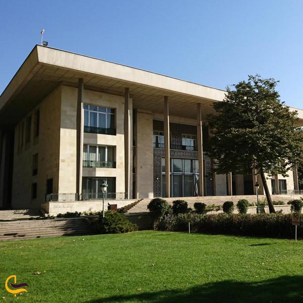 نمایی از ساختمان نیاوران تهران