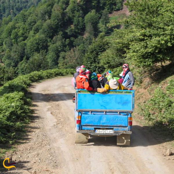 نیسان سواری در مسیر رسیدن به روستای سوباتان