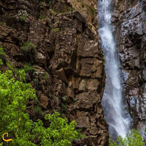 تصویری از آبشار نوده