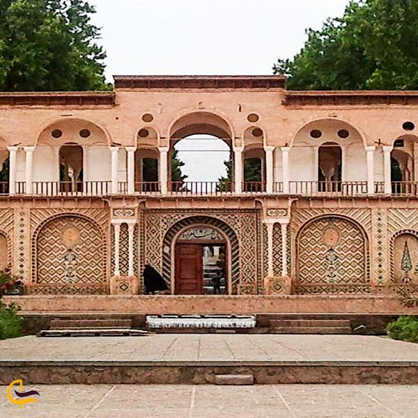 تصویری از عمارت در باغ ایرانی پاسارگاد