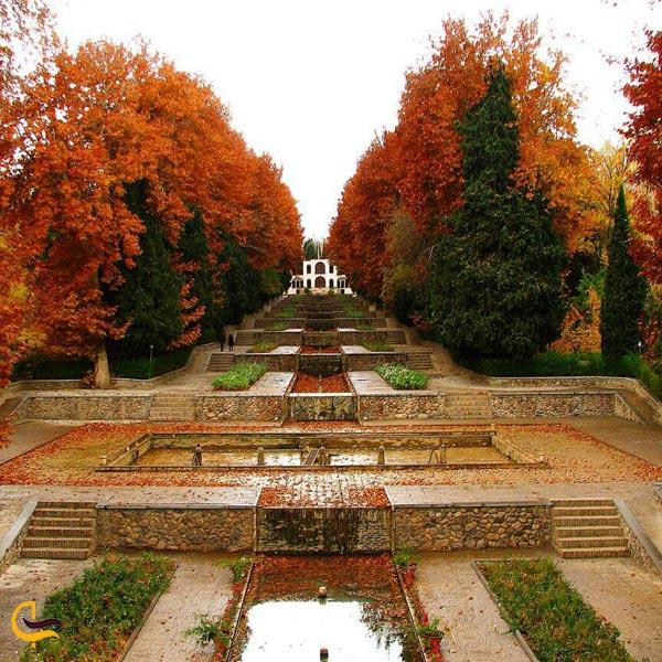 تصویری از طبیعت زیبا باغ ایرانی پاسارگاد