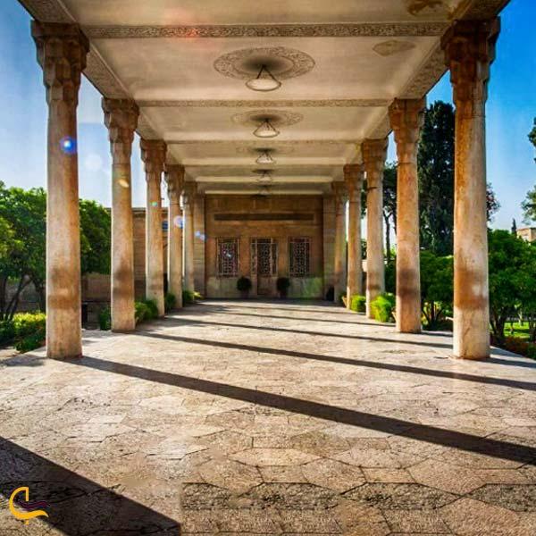 تصویری از ایوان چهارستون حافظیه شیراز