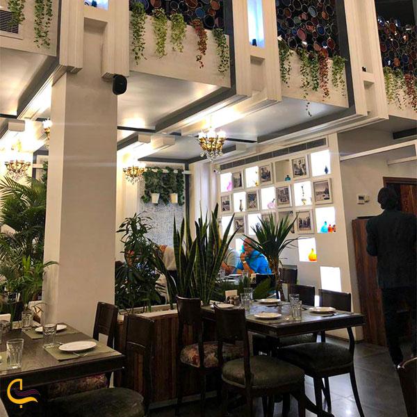 نمایی از رستوران ریچال