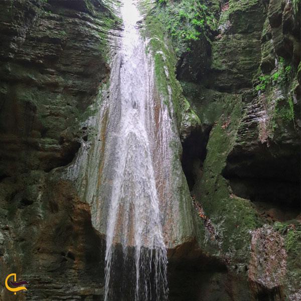 تصویری از آبشار سنگ نو بهشهر