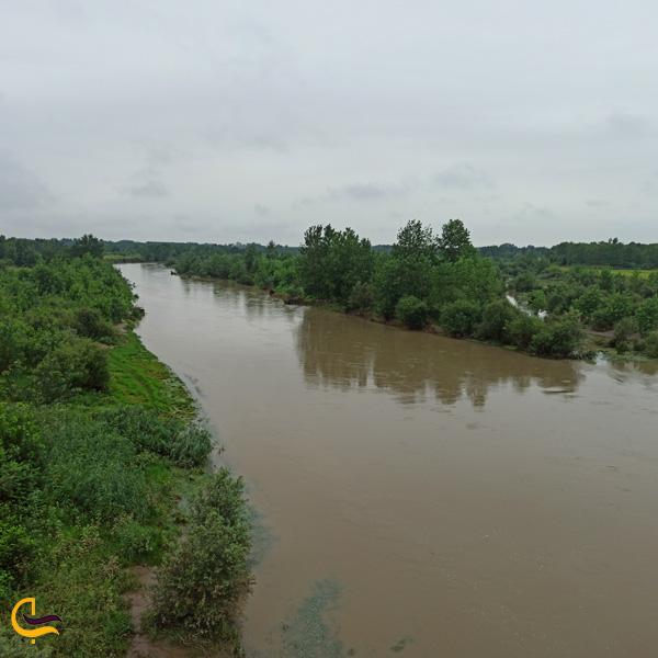 تصویری از رودخانه سفید رود