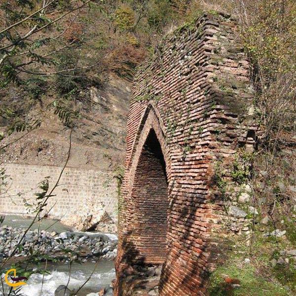 تصویری از پل جاده شاه عباسی در گلوگاه