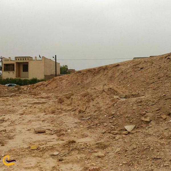 نمایی از تپه باستانی آسیهآباد