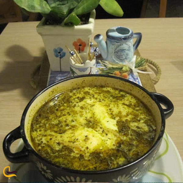 تصویری از ظرف آش محلی استان فارس