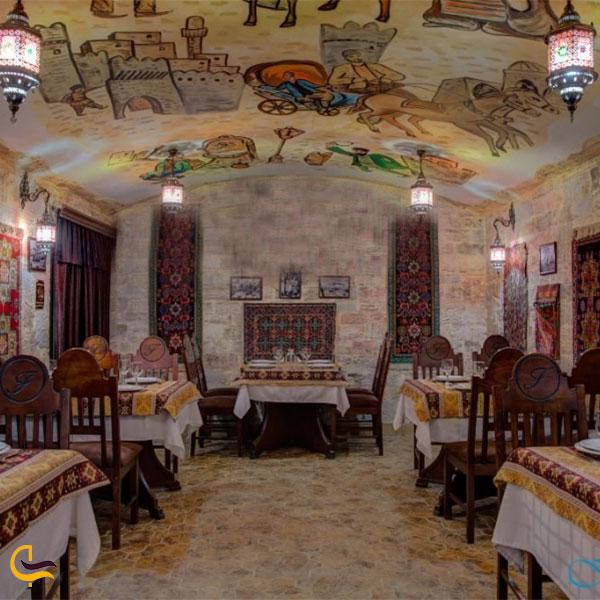 نمایی از رستوران فیروزه