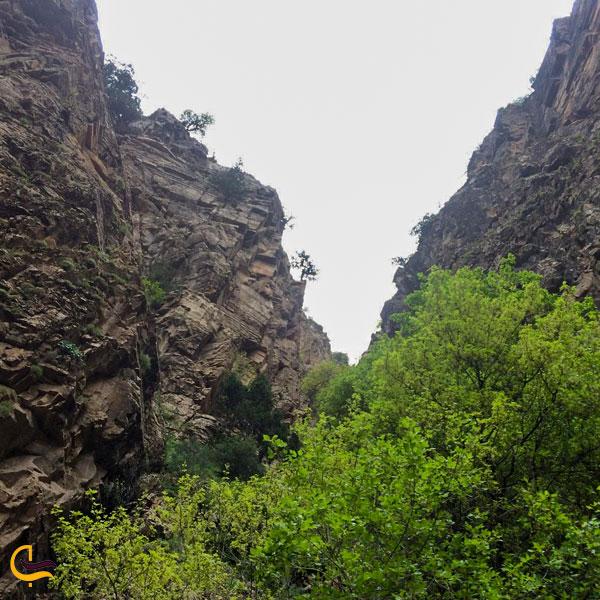 تصویری از کوه و طبیعت آبشار نوده