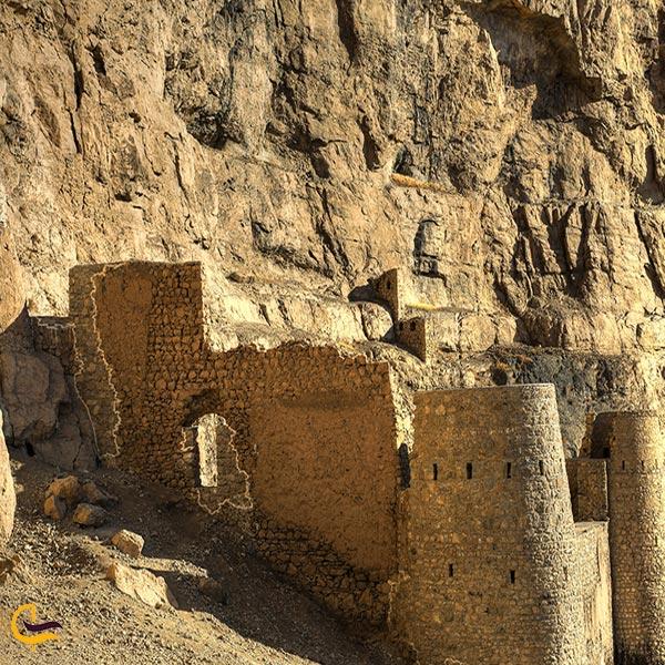 تصویری از قلعه تاریخی قبان ماکو