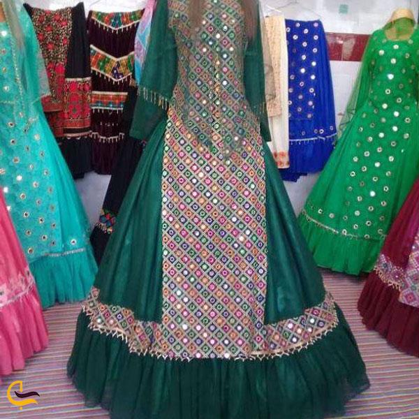 تصویری از لباس محلی زنان استان فارس