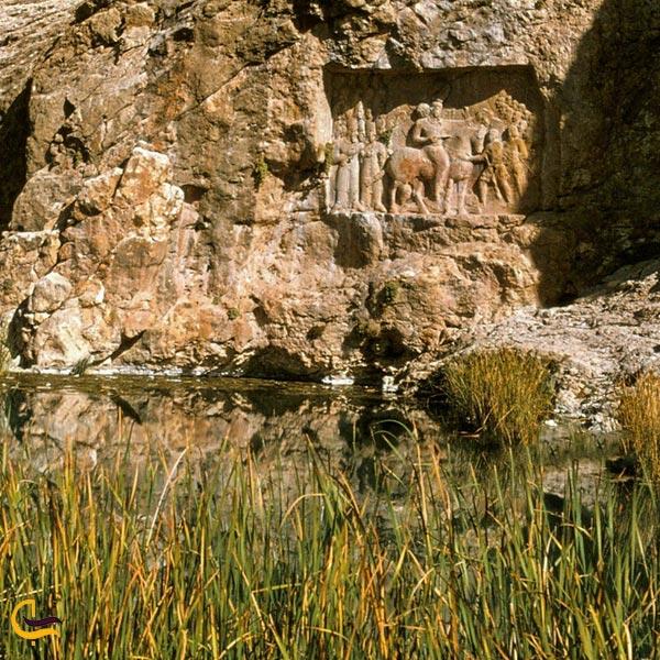 تصویری از طبیعت سرسبز نقش شاپور داراب