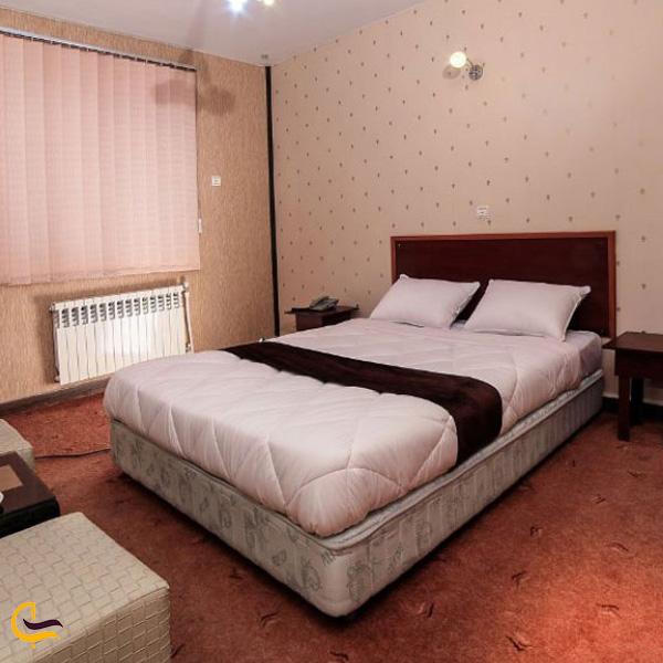 تصویری از اتاقهای هتل جهانگردی علی صدر