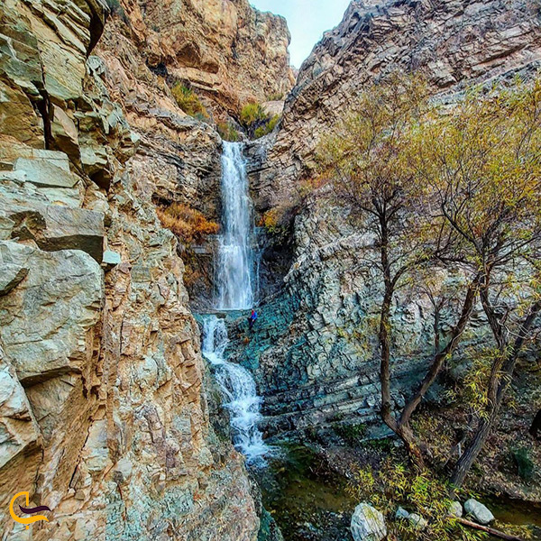 نمایی دیگر از آبشار مال تهران