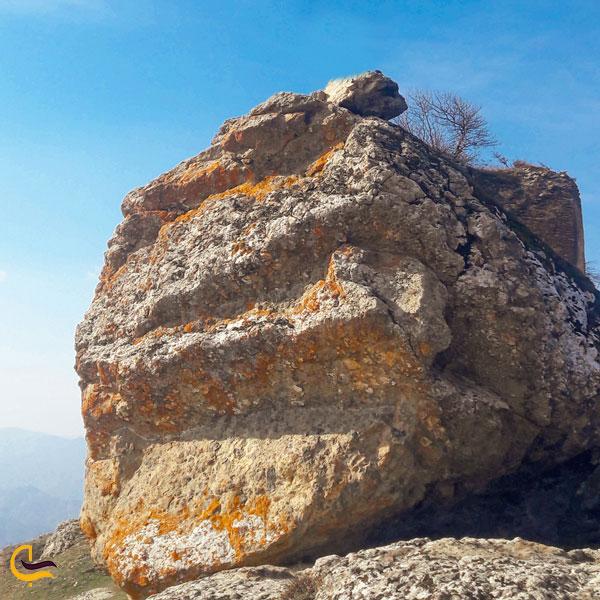 تصویری از قلعه آوارسین خداآفرین