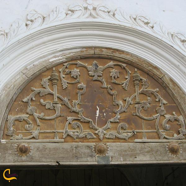 درهای چوبی زیبا در عمارت چهارباغ سنندج