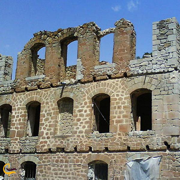 تصویری از عمارت و کلیسای تومانیانس