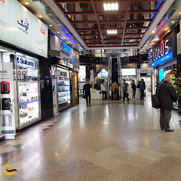 بازار رقابتی قیمت پایین در مرکز کامپیوتر ایران تهران