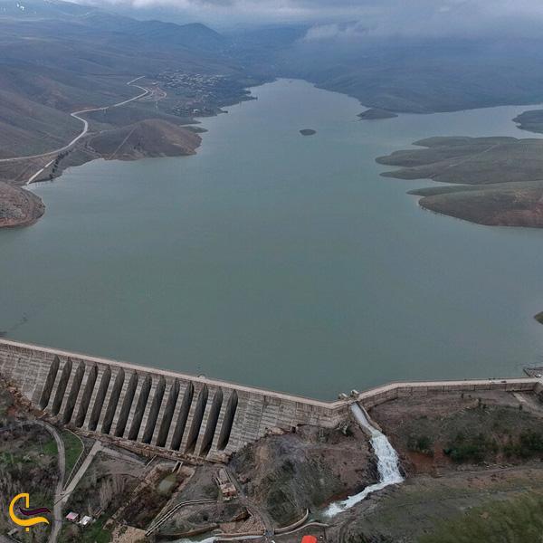 تصویری از دریاچه و سد اکباتان همدان