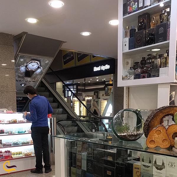 امکانات مرکز خرید تندیس