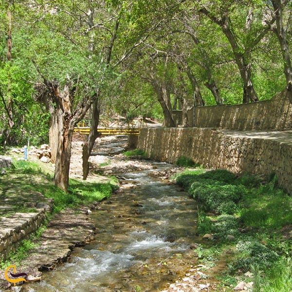 تصویری از چشمههای آب معدنی