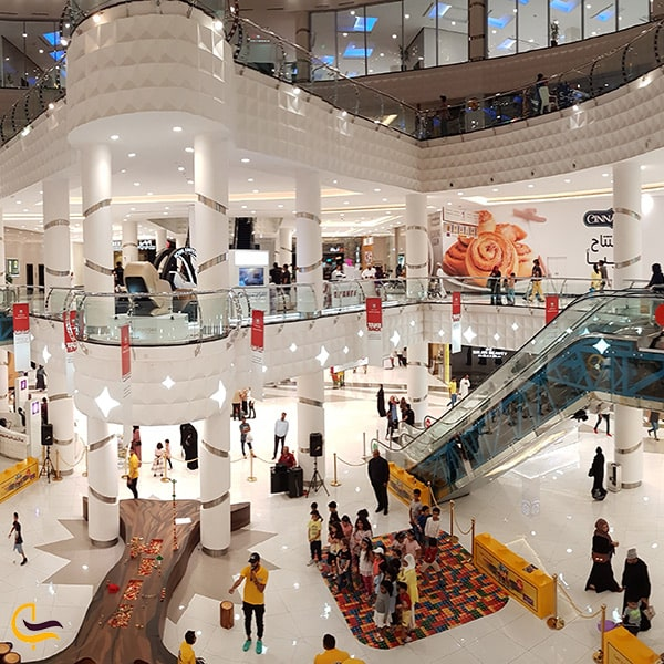 فضای داخلی مرکز خرید عمان اونیو مال