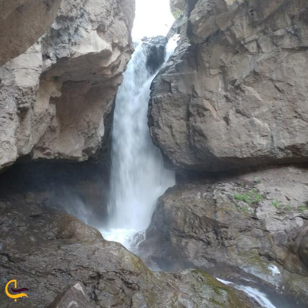 تصویری از آبشار کرکبود طالقان