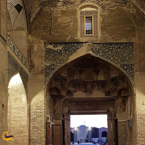 به آتش کشیده شدن مسجد جامع کرمان