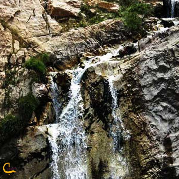 تصویری از چشمه آبگرم خچیره