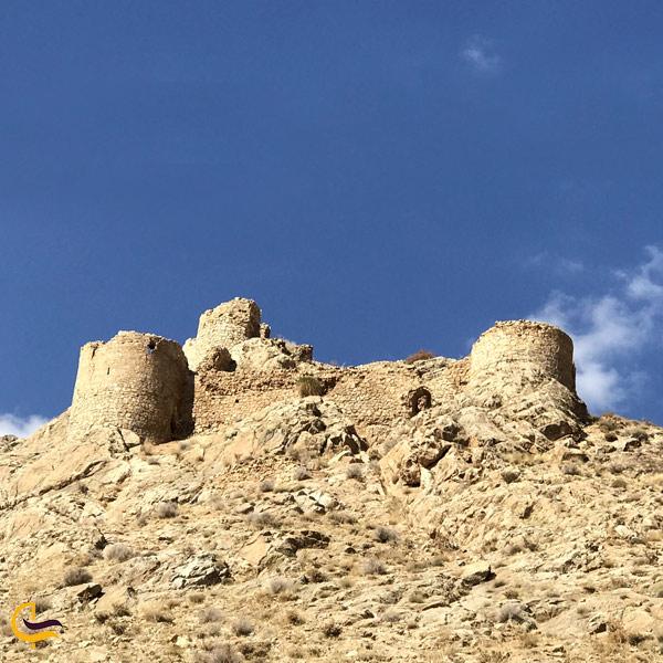 تصویری از قلعه تاریخی شیر قلعه
