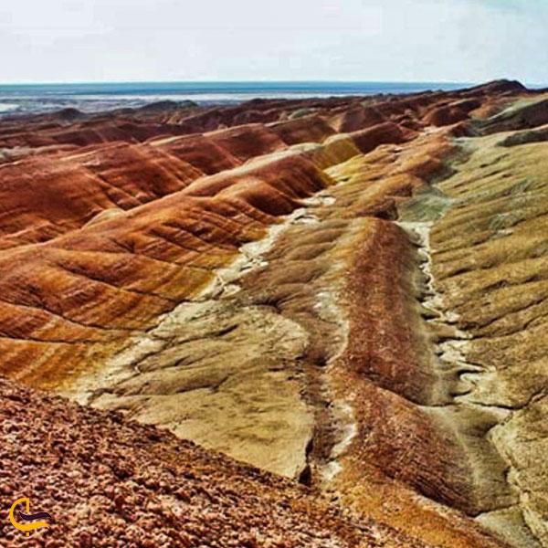 تصویری از تپه های مریخی گرمسار
