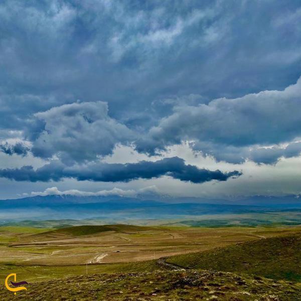 تصویری از طبیعت قله کوه خلج