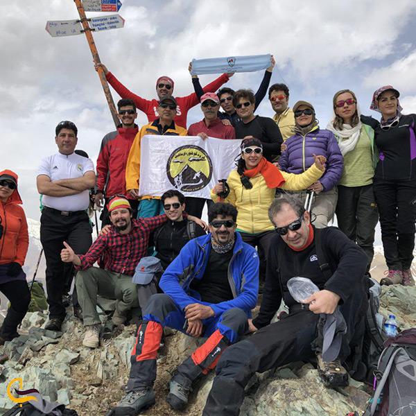 کوهنوردی و صعود به قله در درکه