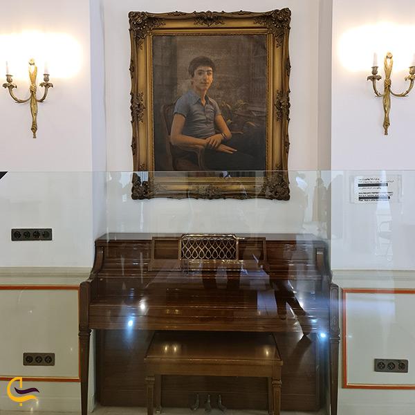 پیانو قدیمی کوشک احمد شاهی