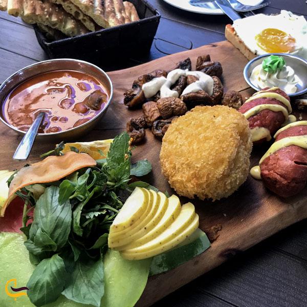 تصویری از غذای فست فود باغ زیتون