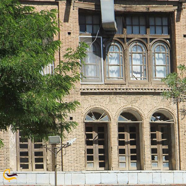 نمای روبرو از عمارت وکیل سنندج