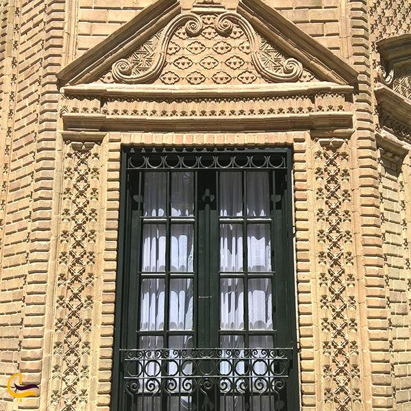 تصویر پنجره ی کاخ شاهنشاهی احمدشاهی