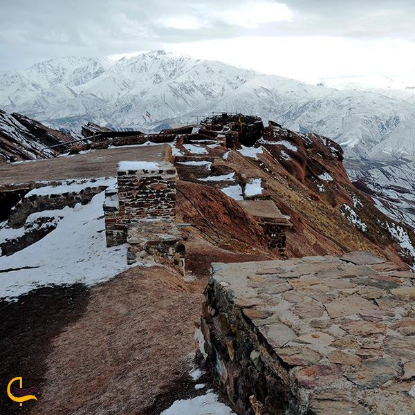 تصویر بقایای قلعه الموت