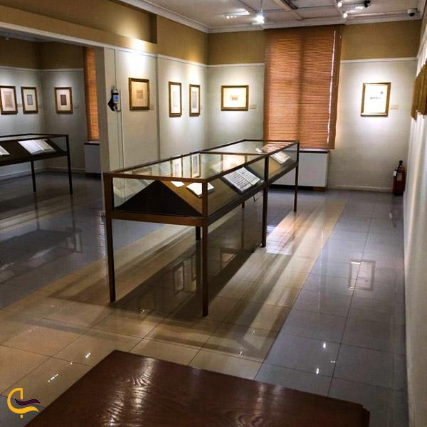 نمایی ازتالار خوشنویسی موزه رضا عباسی