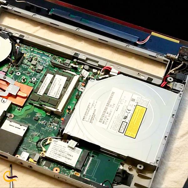 قطعات دست دوم لپ تاپ و کامپیوتر در مرکز کامپیوتر ایران