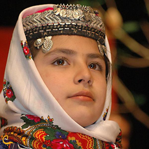 تصویری از لباس محلی شهمیرزاد