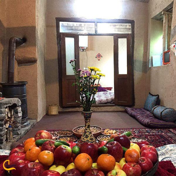 نمایی از فضای داخلی اقامتگاه بومگردی