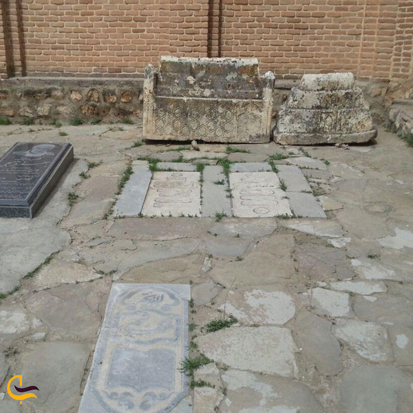 تصویری از قبر های سرداران مکری