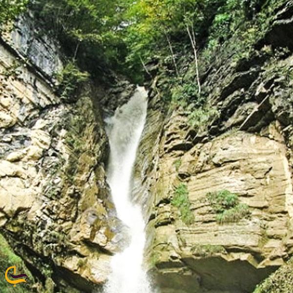 تصویری از آبشار تروشوم