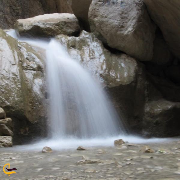 تصویری از آبشار روزیه چاشم